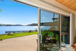 Rotorua Lakes Luxury Lakeside Bed and Breakfast