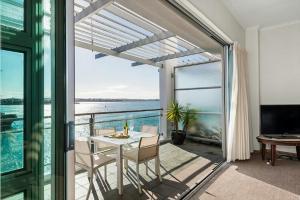 1BR Princes Wharf Apartment with Fabulous Views