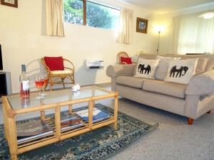 Smokebush Cottage - Holiday Home Exclusively Yours