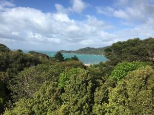 Oneroa Holiday Retreat with Seaview plus Car