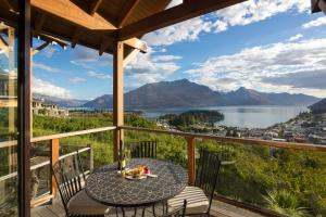 Queenstown Heights by MajorDomo