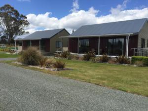 Acheron Cottages