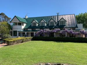 White Acres Country Lodge