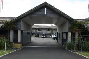 Aveda Motor Lodge
