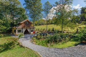 Heritage Barn Retreat