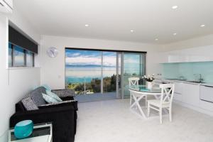 Aqua-Heights Apartment