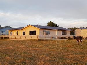 Waihakeke Cottage