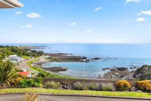 Fishing, Views & Relaxation - Waihau Bay- Holiday Home