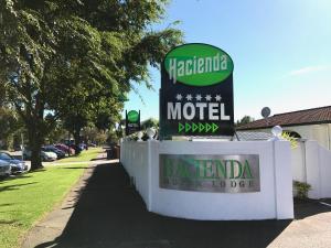 Hacienda Motor Lodge