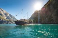 Milford Sound Mariner Overnight Cruise