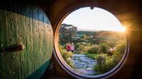 Private Charter: Hobbiton and Rotorua's Geothermal Valley